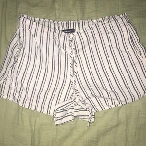 Brandy Melville Stripped shorts